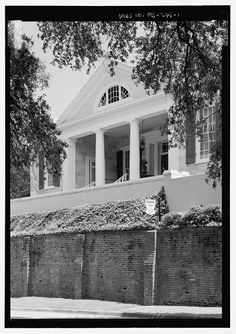 Cherokee, Natchez – (c. Cherokee is an excellent example of using the landscape to enhance a house's position, as it is situated on top of a large hill and retaining wall, which places it o. Gothic Revival Architecture, Southern Architecture, Natchez Mississippi, Louisiana Plantations, Antebellum Homes, Old Mansions, Plantation Homes, Beautiful Sites, Garden Club