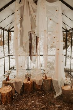 Minimal winter greenhouse elopement in Mt. Style & Design by Mae&Co Creative. Photo by Dawn Photo. Elope Wedding, Boho Wedding, Rustic Wedding, Dream Wedding, Wedding Day, Snow Wedding, Paris Wedding, Elopement Wedding, Wedding Season