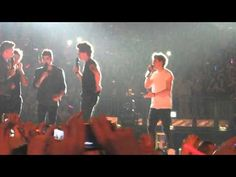 One Direction singing My Heart Will Go On. This is the most beautiful thing i have ever heard.