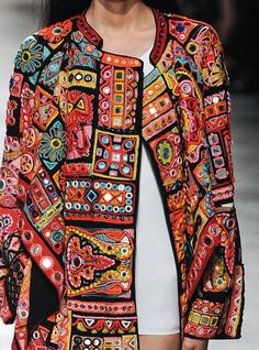patternprints journal: PRINTS, PATTERNS AND SURFACE EFFECTS: BEAUTIFUL DETAILS FROM PARIS FASHION WEEK (WOMAN COLLECTIONS SPRING/SUMMER 2015) / Barbara Bui
