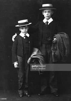 Carl and Mark Neaver de Monte in their school uniforms.