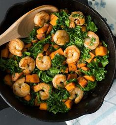 High-Protein Recipes That Fill You Up This sweet potato, kale, and shrimp skillet proves high-protein recipes can also be healthy.This sweet potato, kale, and shrimp skillet proves high-protein recipes can also be healthy. Healthy Recipes, Low Carb Recipes, Healthy Snacks, Healthy Eating, Cooking Recipes, Healthy High Protein Meals, High Protein Vegetables, Fast Recipes, Being Healthy