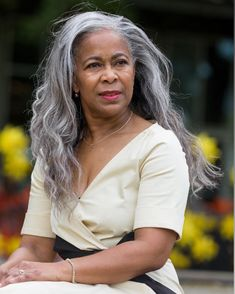 Grey White Hair, Long Gray Hair, Grey Wig, Silver Grey Hair, Grey Hair Dark Skin, Grey Hair Inspiration, Natural Afro Hairstyles, Gray Hairstyles, Curly Hair Styles
