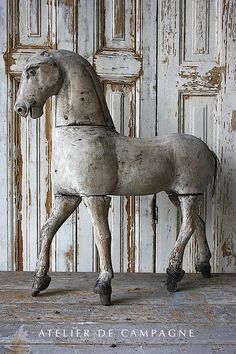 🌟Tante S!fr@ loves this📌🌟Shabby chic horse Décor Antique, Antique Decor, Antique Toys, Vintage Decor, Vintage Antiques, French Antiques, Antique Rocking Horse, Vintage Horse, Rocking Horses