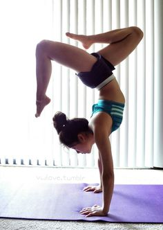 Hatha Yoga – A Crowd Favorite Yoga Handstand, Yoga For Flexibility, Low Impact Workout, Anytime Fitness, Free Yoga, Yoga Lifestyle, Yoga Meditation, Stay Fit, Yoga Fitness
