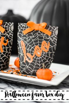 Make store bought favor boxes adorable with a little vinyl, get the DIY on Everyday Party Magazine. #Halloween #PartyFavor #MarthaStewart #MichaelsMakers