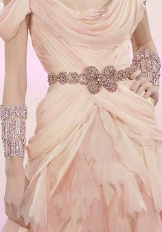 Christian Lacroix Haute Couture Spring 2007 Details ... Pink, but I **love** the beautiful accessories!!!  <3