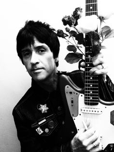 Johnny Marr photographed for Dynamic issue The Smiths Morrissey, Johnny Marr, Hate Men, Charming Man, Wedding Photography Poses, Arctic Monkeys, My Favorite Music, New Wave, Will Smith