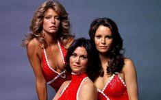 Οι «Άγγελοι του Τσάρλι» ήταν από τα σήριαλ που έγιναν τεράστια επιτυχία τις δεκαετίες του '70 και του '80 στις ΗΠΑ αλλά και στην Ελλάδα! American Crime, Jaclyn Smith, Then And Now, Bikinis, Swimwear, Nostalgia, Actresses, Formal Dresses, Angels