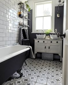 Inspiring 10 Awesome Monochrome Bathroom Ideas You Must Try Do you want to apply a slightly different bathroom design before? What if you apply a monochrome bathroom? If you don't know it yet, the color of mono. Bathroom Interior Design, Monochrome Bathroom, Big Bathrooms, Country Bathroom, Trendy Bathroom, Bathroom Trends, Small Bathroom, French Country Bathroom, Bathroom Flooring