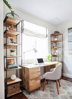 16 Modern Computer Desk for Your Home Office- Annamarie- office decor office design office ideas Office Nook, Guest Room Office, Home Office Space, Home Office Desks, Guest Rooms, Office Rug, Apartment Office, Bedroom Office Combo, Small Office Spaces