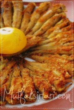 Haddock Tava - Tricks of the recipe, thousands of recipes and .- Mezgit Tava – Tarifin püf noktaları, binlerce yemek tarifi ve daha fazlası… Haddock Tava – Tricks of the recipe, thousands of recipes and more … - Shellfish Recipes, Seafood Recipes, New Recipes, Corned Beef, Fish Varieties, Turkish Kitchen, Turkish Recipes, Fish Dishes, Food Blogs