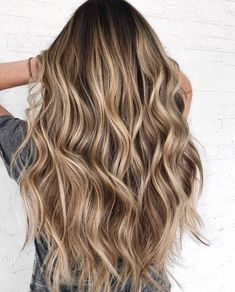 24 Gorgeous Balayage Hair Color Ideas Fabmood Wedding Colors, Wedding Themes, Wedding color palettes is part of Balayage hair - Featured hair color CT HAIR Brown Hair Balayage, Brown Blonde Hair, Brown Hair With Highlights, Hair Color Balayage, Brunette Hair, Blondish Brown Hair, Blonde Honey, Honey Balayage, Medium Blonde
