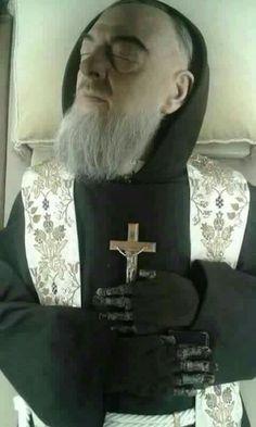 Padre Pío incorrupto