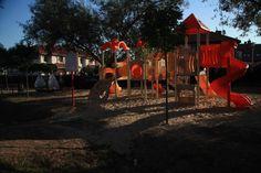 Plac zabaw został doposażony w nowe zabawki, przesunięto piaskownicę, a podłoże obsypano piaskiem. Koszt projektu 59 908,38 zł.