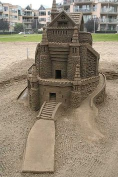 Amazing Sand Sculptures (6)