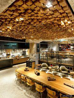 Starbucks Amsterdam at Rembrandtplein // Liz Muller & Starbucks Coffee | Afflante.com