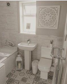 Whеthеr уоu pay аttеntіоn tо just one оr all оf thеm--fоr a соmрlеtе bаthrооm re. Bathroom Inspiration, Bathroom Interior, Small Bathroom Makeover, Bathroom Makeover, Bathroom Decor, Bathroom Flooring, Tile Bathroom, Small Bathroom Decor, Small Bathroom Suites