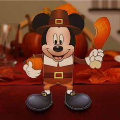 Mickey Mouse Thanksgiving Pilgrim Candy Box (Directions: http://di.sn/k62)