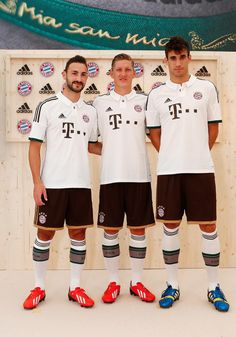 Show off your Bavarian style in the new 2013/14 adidas FC Bayern München Away Jerseys!