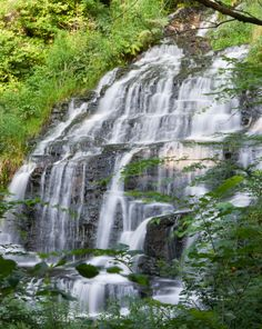 18 hidden waterfalls in Massachusetts. Slatestone Brook Falls