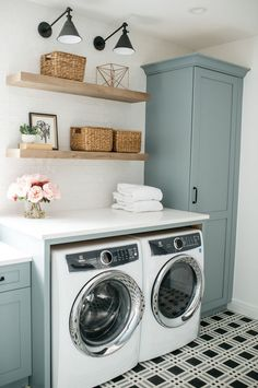 Clever Ideas for Small Laundry Room Design Clever Ideas for Small Laundr. - Clever Ideas for Small Laundry Room Design Clever Ideas for Small Laundry Room Design Trend - Rustic Laundry Rooms, Mudroom Laundry Room, Laundry Room Layouts, Laundry Room Remodel, Farmhouse Laundry Room, Small Laundry Rooms, Laundry Room Organization, Laundry In Bathroom, Laundry Decor