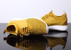 super popular 4cc46 5e2d7 Nike Juvenate Textile Dark Citron