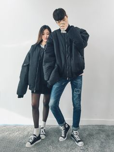 Korean Fashion: Couple Look♥ Great outfit ideas/looks for couples to wear  . Korean Fashion Winter, Korean Fashion Trends, Korean Street Fashion, Korea Fashion, Vogue Fashion, Asian Fashion, Fashion Hair, Couple Look, Couple Style