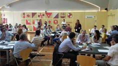 Alejandra Flores en la Fundación Cruzcampo habalando sobre SurSideStory en la primera sesión inspiradora de #Redinnprende.