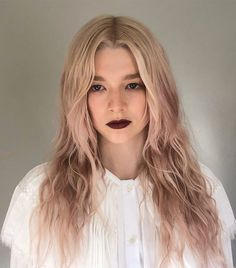 A Celeb Colorist Says These Will Soon Be the Most-Requested Hair Colors Spring is coming, so we called in a top celebrity hair colorist to tell us the most popular hair colors to try. Get the exclusive scoop here. A Celeb Colori Spring Hairstyles, Popular Hairstyles, Celebrity Hairstyles, Cool Hairstyles, Zendaya, Weekender, Top Celebrities, Celebs, Cool Blonde Hair Colour