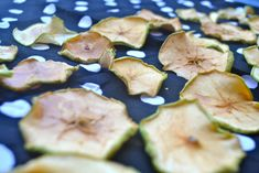 Caramel Green Apple Chips – Make the Best of Everything Dehydrated Apples, Dehydrated Food, Healthy Life, Healthy Snacks, Healthy Recipes, Soup Recipes, Snack Recipes, Apple Chips, Caramel Recipes