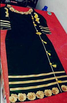 RadhikAnurag Simple Kurti Designs, Salwar Designs, Kurti Designs Party Wear, Punjabi Suits Designer Boutique, Indian Designer Suits, Dress Neck Designs, Blouse Designs, Stylish Dresses For Girls, Dresses For Work