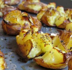 Crash Hot Potatoes - first boil the potatoes, then lightly smash, drizzle with extra virgin olive oil, salt and pepper, and bake till slightly crispy. Think Food, I Love Food, Good Food, Yummy Food, Tasty, Potato Dishes, Potato Recipes, Food Dishes, Side Dishes