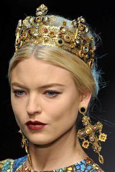 dolce & gabbana milan aw2013 adron london jewellery trends blog religious iconography princess micro mosaic crucifix three