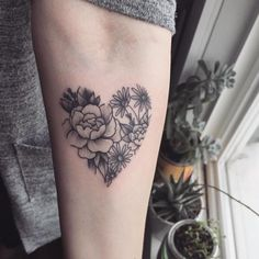 "18.7k Likes, 36 Comments - @littletattoos on Instagram: ""❤️❤️ #tattoo #tattoos #flowers #flowertattoo #flowertattoos #floraltattoos #floraltattoo…"""