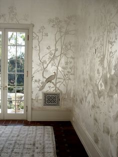 This silver leaf on silk project was created for the Santa Barbara historic estate of Holmby Hills and was featured in Southern Accents. This mural is absolutely stunning. Chinoiserie Chic: Scott Waterman and Chinoiserie