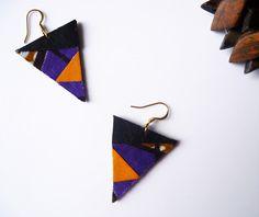 """Boucles d'oreilles graphiques triangle en tissu wax africain et cuir recyclé.  Apportez une touche de couleur et d'originalité à votre style avec les boucles d'oreilles """"Zebra - 18076749"""