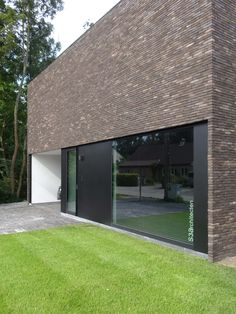 Click to close image, click and drag to move. Use arrow keys for next and previous. Modern Residential Architecture, Brick Architecture, Industrial Architecture, Architecture Details, Brick Design, Exterior Design, Building Facade, Building A House, Brick Detail