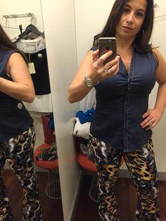 AMEI essa calça da C&A, mas não comprei. Fiquei em dúvida se eu precisava, porque comprei duas outras flairs estampadas mais sociais, na Gregory. A blusa definitivamente não ficou boa, mas no passado eu usava assim.