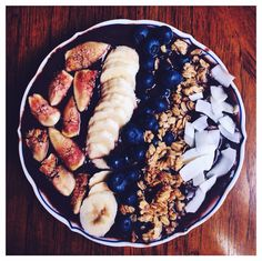 Figs and Coconut Acai Bowl