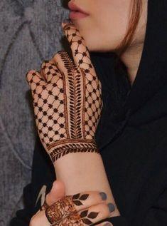 Palm Mehndi Design, Floral Henna Designs, Back Hand Mehndi Designs, Simple Arabic Mehndi Designs, Legs Mehndi Design, Henna Art Designs, Mehndi Designs For Girls, Mehndi Designs For Beginners, Stylish Mehndi Designs