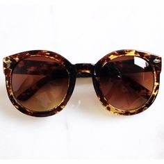 Spotted Brown Oversized Sunglasses Brand new! Plastic round oversized Sunnies. I have the same one and I wear them all the time! Photos are my own. Price is firm. Multi item listing, you can purchase directly from the listing. SPBR03161  •Measurements: 52mm(W) 49mm(H) 18mm(br) 141mm across     ❌No trades ❌No PayPal ❌No asking for the lowest price Accessories Sunglasses