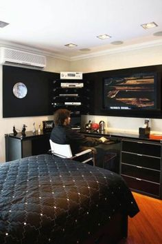 Young Men Bedroom Colors | Awesome Men's Bedroom Ideas