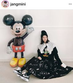 Korea Street Style, Wreaths, Halloween, Home Decor, Decoration Home, Door Wreaths, Room Decor, Deco Mesh Wreaths, Home Interior Design