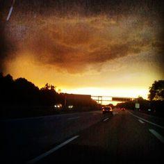 """@Sabine Schönberg's photo: """"Die Sonne kämpft gegen das Unwetter ..."""""""