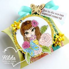 "Hilda Designs: Reto #31 en LAC: Dulcero Primaveral,digi de Lacy Sunshine se llama Daphne Lacy Sunshine Pin Up Girl,el sentimiento sello de Latina Crafter del set  ""Mi flor favorita"""