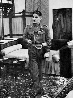 المكتب الذي عاش وعمل فيه عبد الكريم قاسم، وزارة الدفاع، بغداد، ١٩٥٩