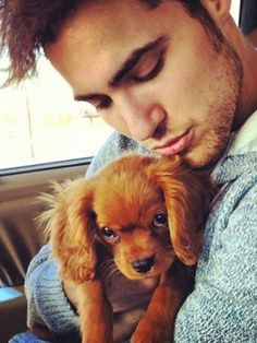 Awe, look at that adorable little puppy!   ...........click here to find out more     http://googydog.com