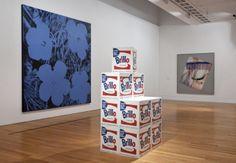 Vista da exposição / View of the exhibition Museu Coleção Berardo (1900-1960). Obras de / Works by Andy Warhol e / and James Rosenquist.