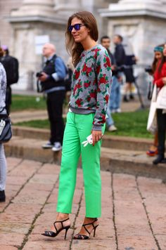 Aurora Sansone, Floral Sweater -Milan via streetpeeper Floral Sweater, Modern Vintage Fashion, Shops, Ootd, Casual Street Style, Fashion Stylist, Daily Fashion, Passion For Fashion, Style Inspiration